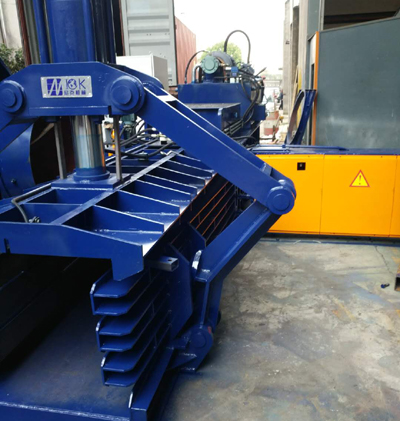 Automatic waste paper baler precautions