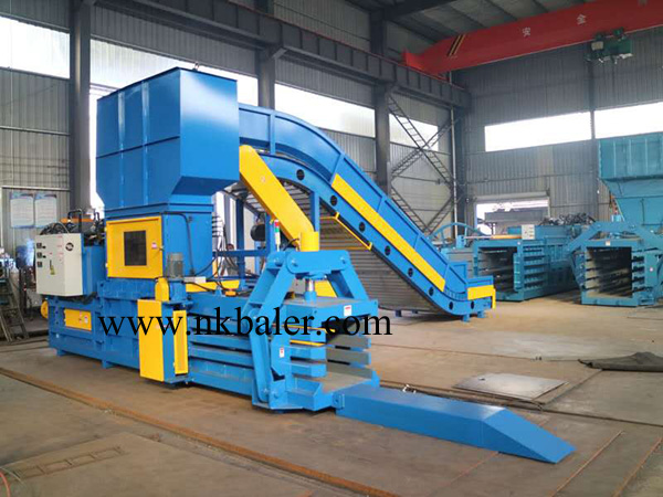The advantages and disadvantages of the design of the fuel tank structure of the waste paper baler
