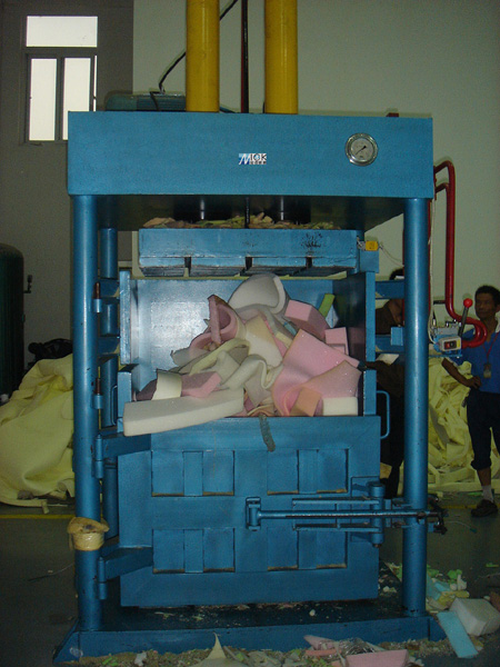 Used sponge Baler machine